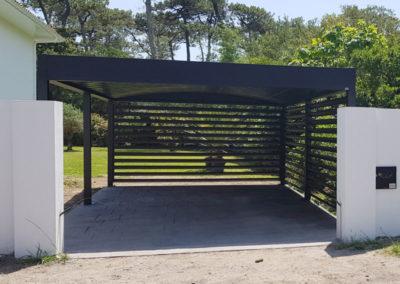 Carport aluminium autoporté avec lames claire-voie