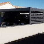 Carport aluminium adossé avec lames claire-voie