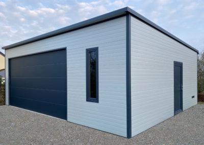 Garage design préfabriqué isolé sur mesure sans entretien