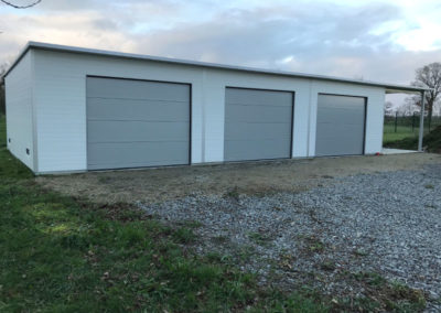 Triple garage isolé 12.00x6.00m + carport 3.00x6.00m - Arzal